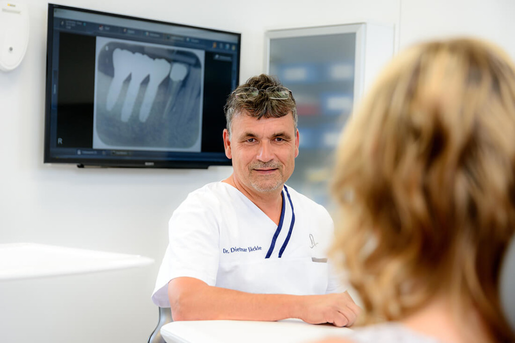 Zahnarzt-Schiltach-Jaeckle-Leistungen-Implantologie